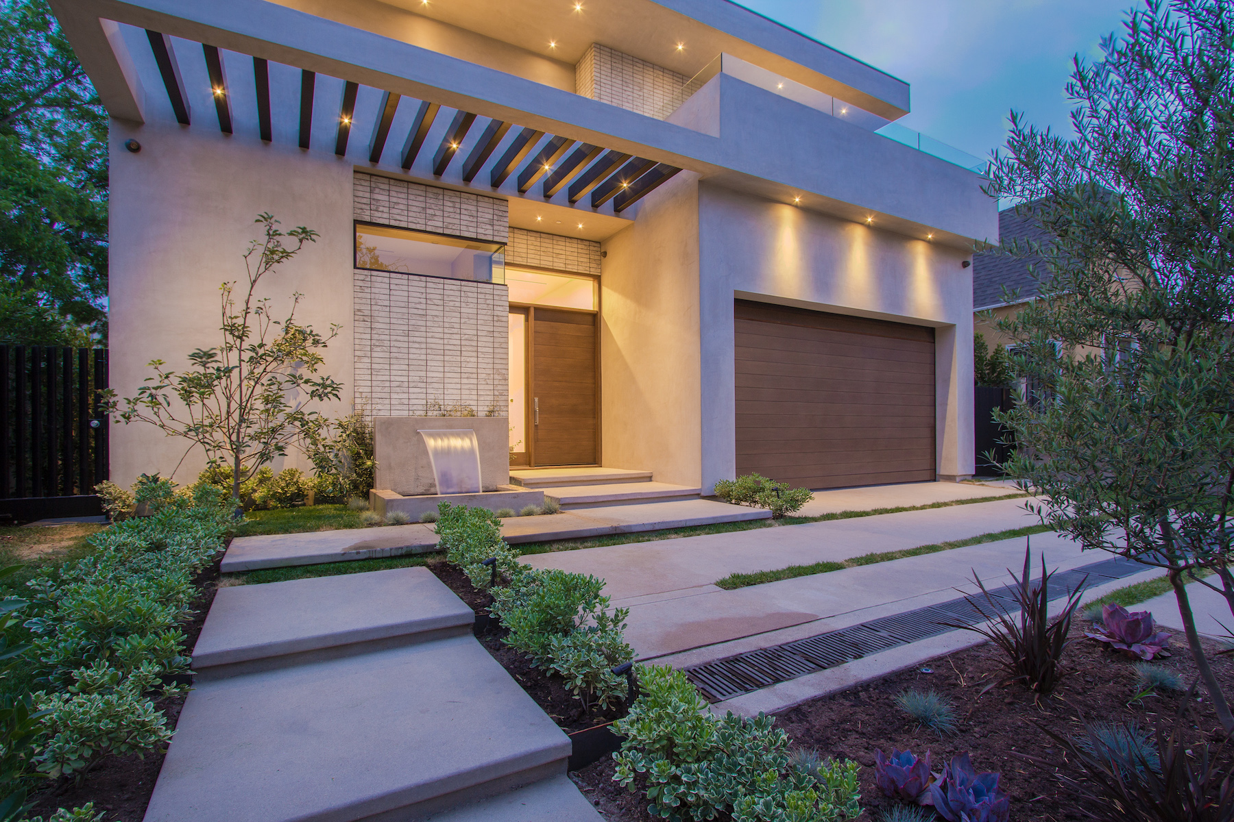 WestHollywood_Modern_1b_sm