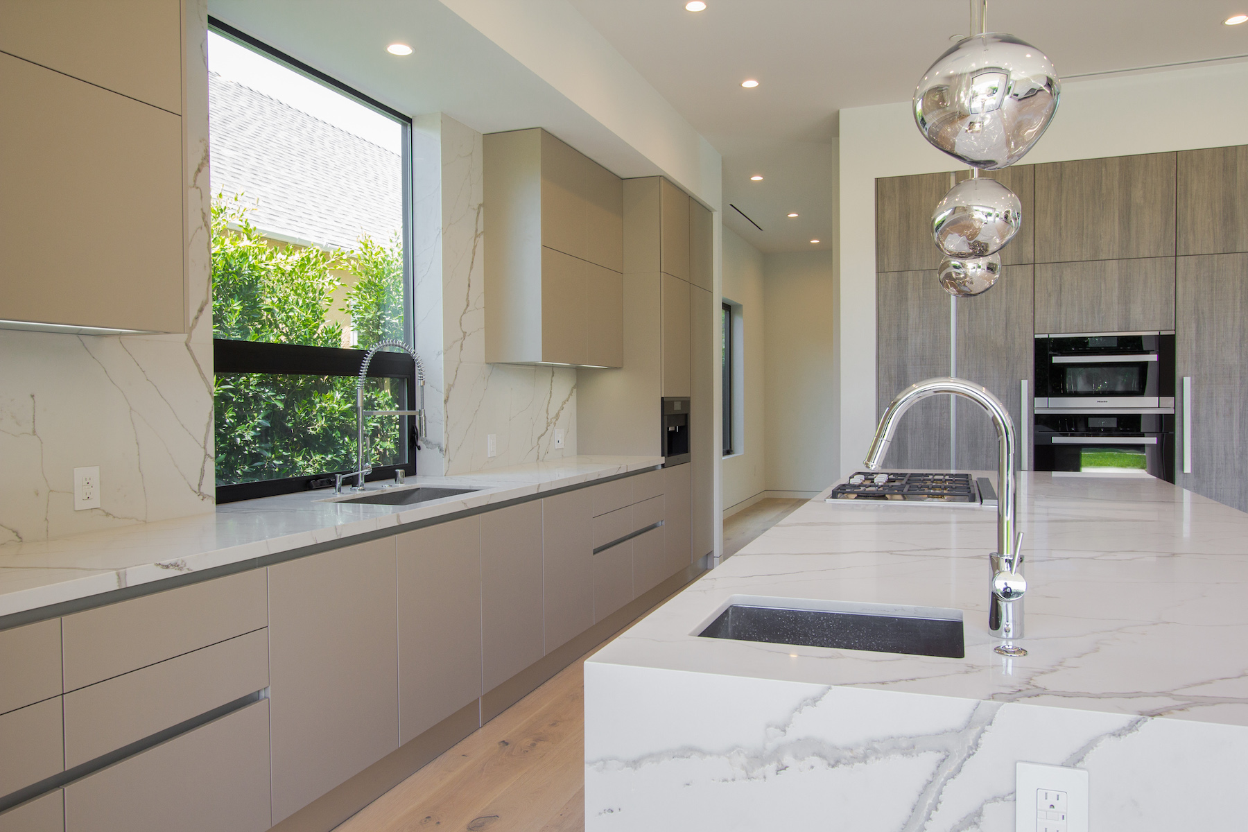 WestHollywood_Modern_2b_sm