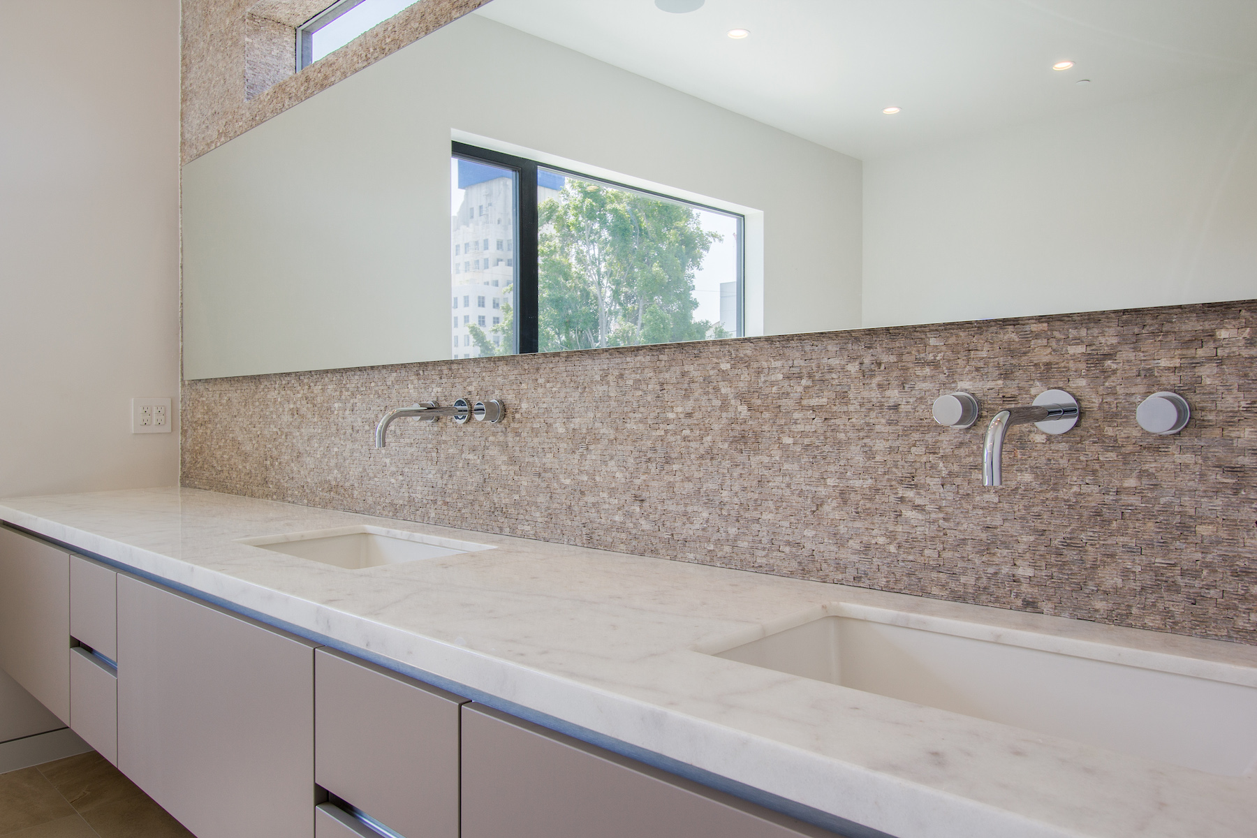 WestHollywood_Modern_7b_sm