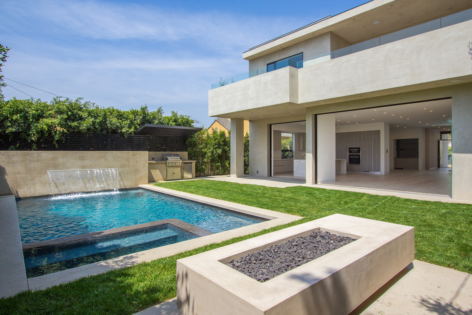 WestHollywood_Modern_8b_sm